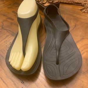 Croc tong Sandler's